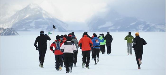 南極トライアスロン 世界初挑戦!マラソン日本人全員完走